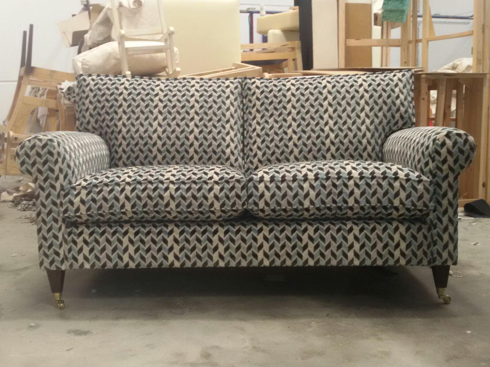 Trabajo de tapicero en madrid de sofas muebles sillones for Factory de muebles en madrid